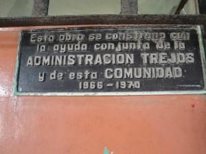 Placa de dedicación del segundo edificio (1965-2013)